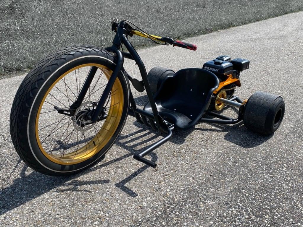 Driftwerk Drift Trike Blast mit Kunststoffsitz